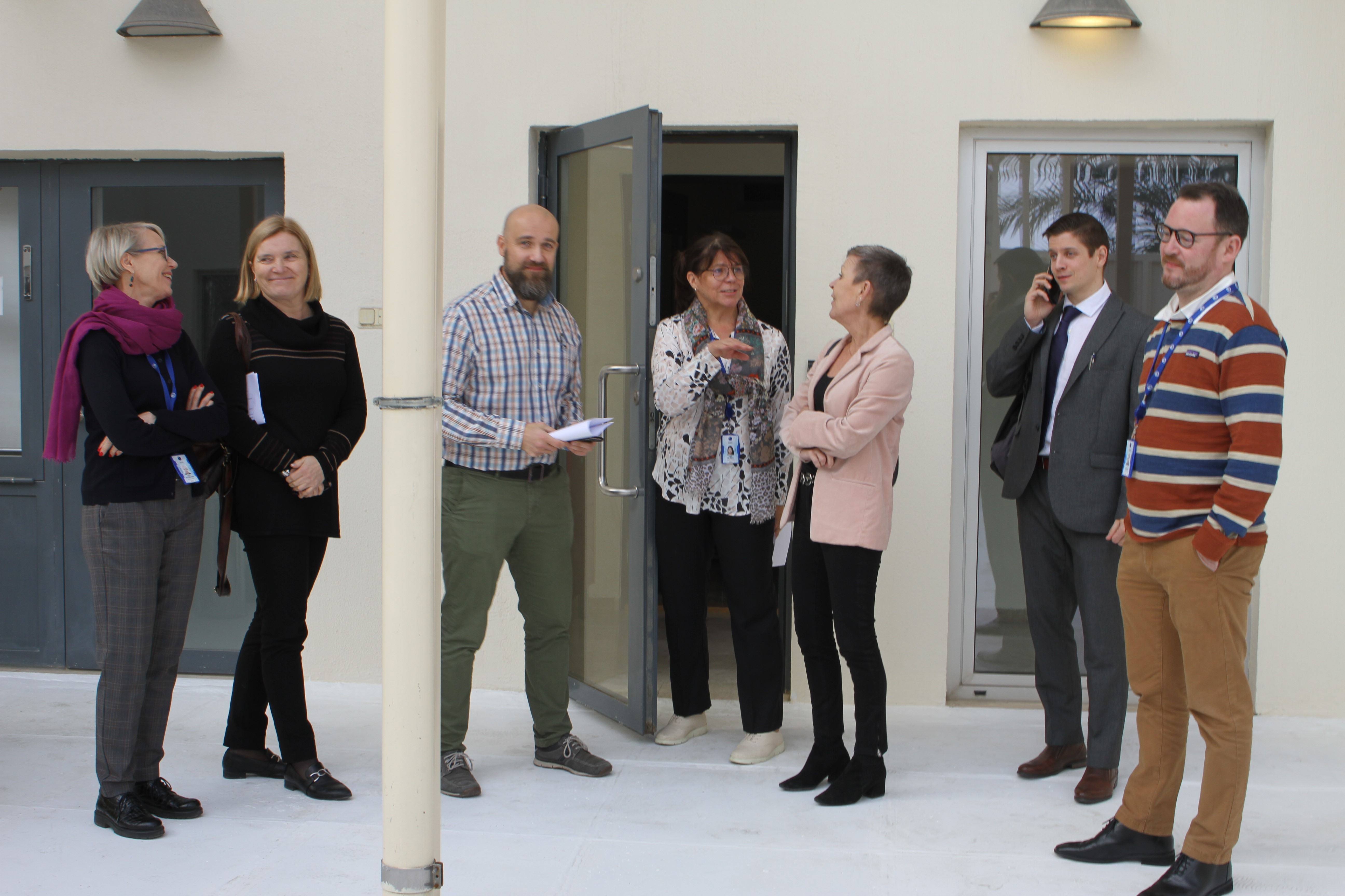 The first delegation from Finland to the Embassy on 9 December. Visitors from the Ministry for Foreign Affairs and the Finnish Immigration Service together with staff of the mission. Photo: Vesa Häkkinen.