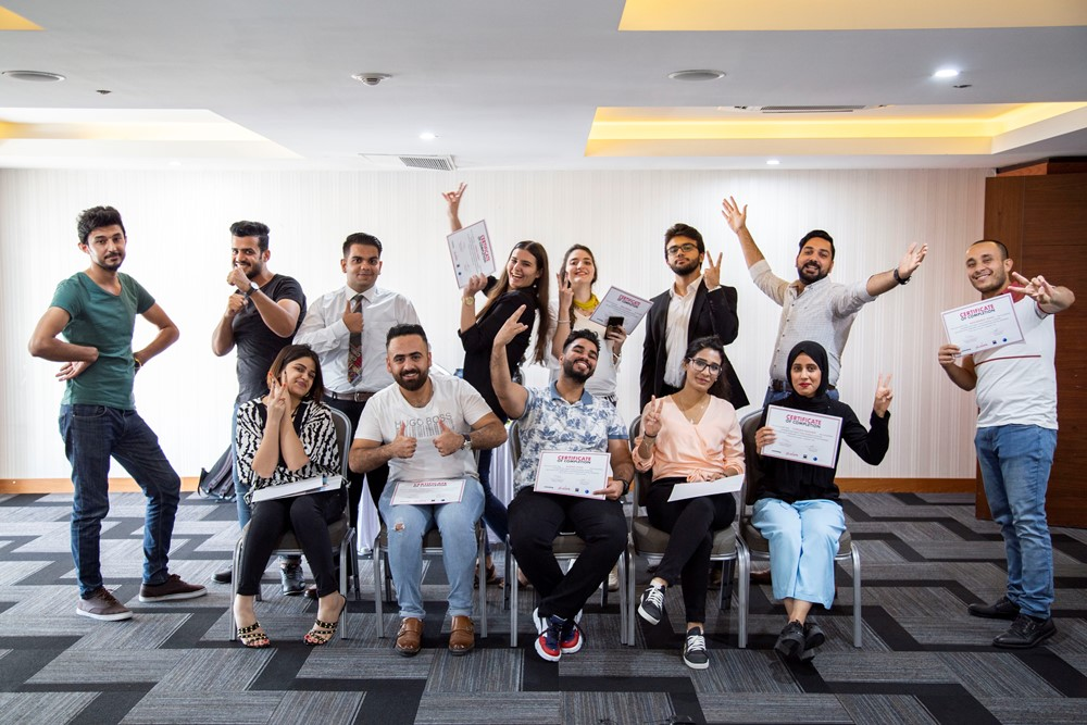 Salam encourages youth to use the tools and skills that the project makes available to them for exerting influence in the media and for peace work — in the picture, the participants of the 2019 Salam workshop in Iraq.